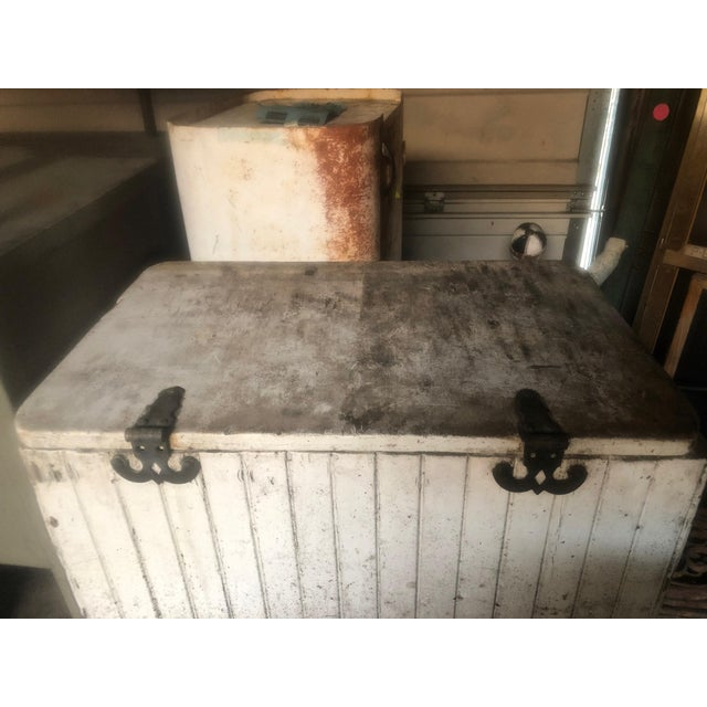 White 1970s Vintage Old Home Bread Retail Display and Storage Box For Sale - Image 8 of 13