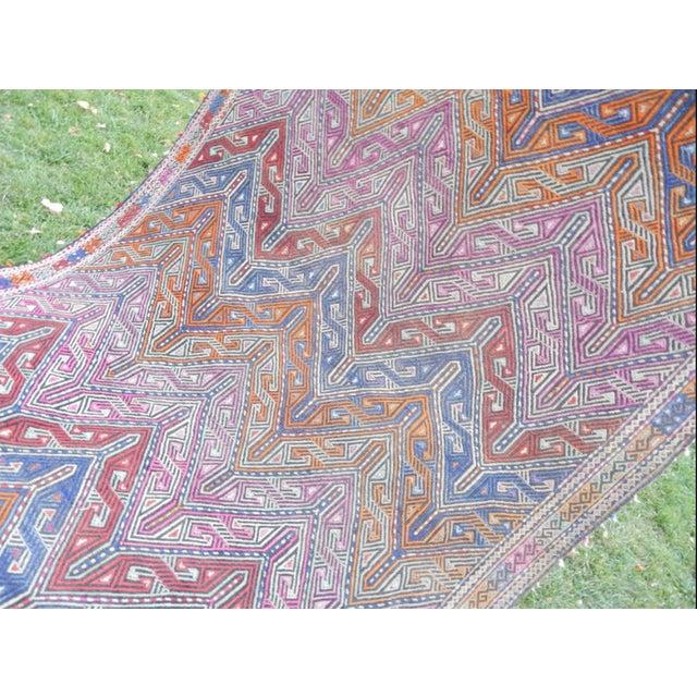 Handwoven Turkish Kilim Rug Pastel Colors Area Rug Petite Braided Kilim - 4′11″ × 9′4″ For Sale - Image 9 of 12