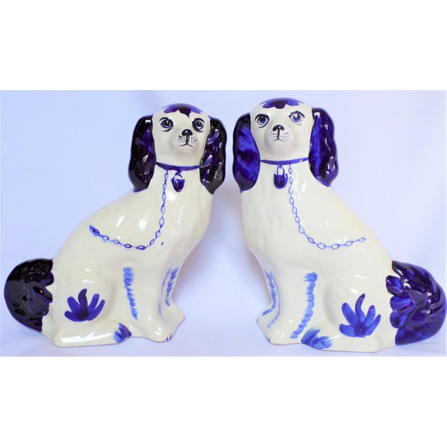 Vintage Blue and White Ceramic Staffordshire Dogs - a Pair For Sale - Image 4 of 11