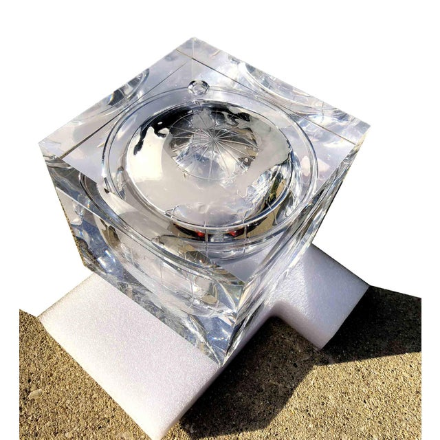 Acrylic 1970s Alessandro Albrizzi Ice Bucket With Incised Globe in Lucite For Sale - Image 7 of 12