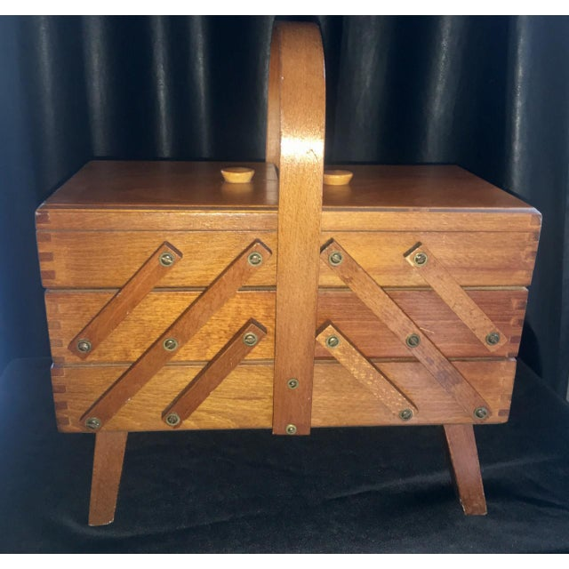 1950s Mid-Century Modern Beechwood Cantilever Expandable Sewing Box For Sale - Image 4 of 4