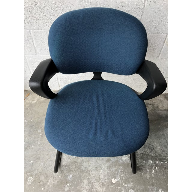 Vintage 1990s Herman Miller Avian Sled Base Side Chairs (A Pair) For Sale - Image 10 of 13