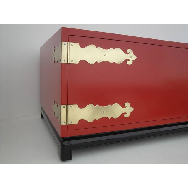Red 1960s Asian Red Lacquered and Brass Coffee Table/Storage Chest For Sale - Image 8 of 11
