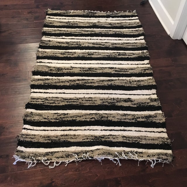 2010s Handwoven Recycled Cotton Rug - 3′4″ × 5′9″ For Sale - Image 5 of 5