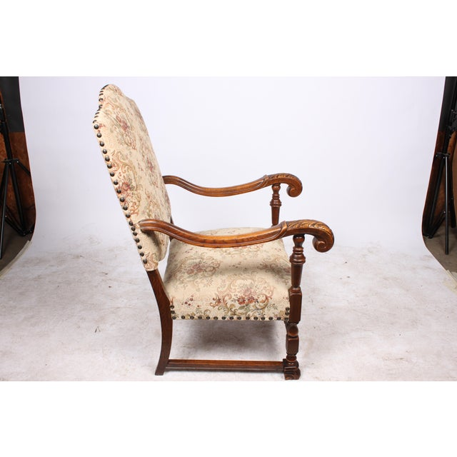 English Traditional William and Mary Style Armchair For Sale - Image 3 of 5