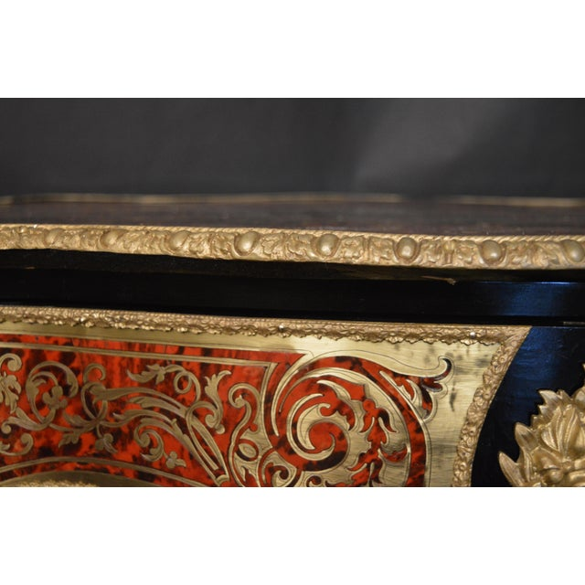 French 19th Century Tortoise Shell Table With Boulle Marquetry For Sale - Image 3 of 13