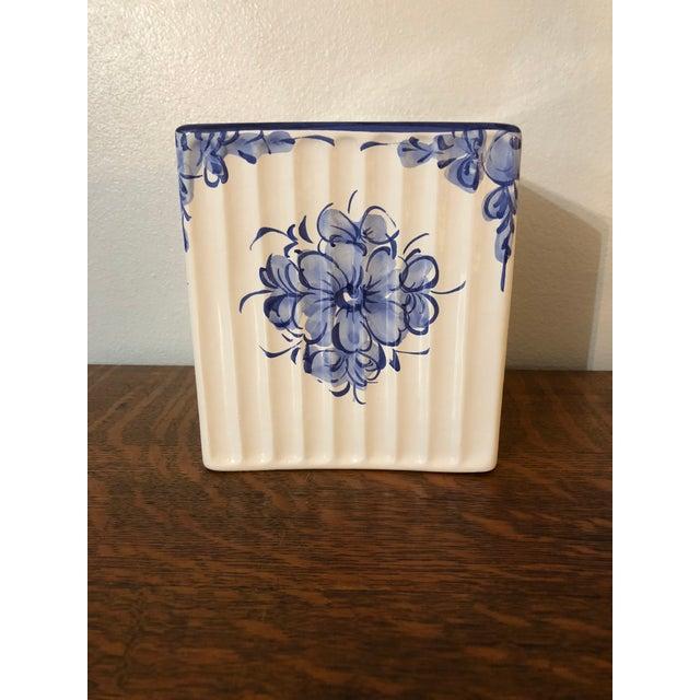 1990s Vestal Alcobaca of Portugal Ceramic Tissue Box For Sale - Image 5 of 5