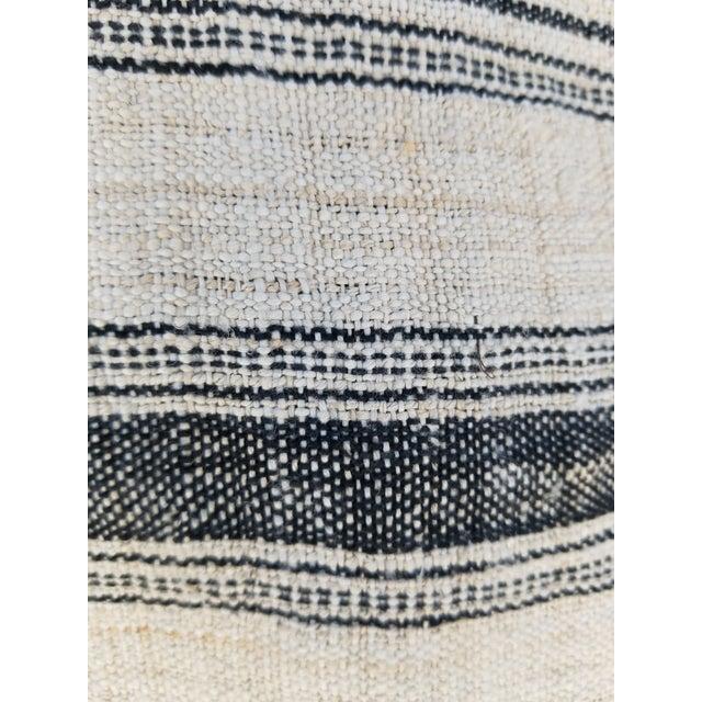 Hand Spun Black Stripe Linen Throw - Image 4 of 7