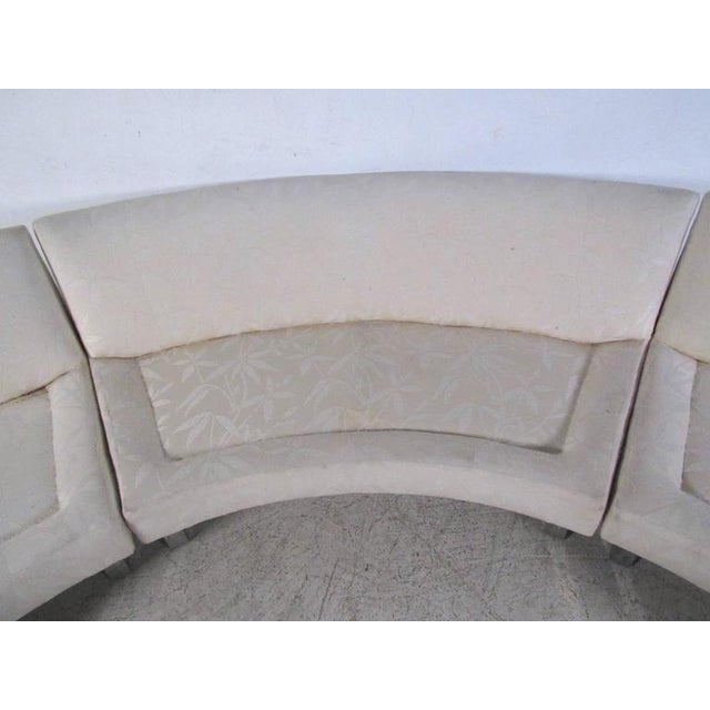 Milo Baughman Mid-Century Circular Sofa For Sale In New York - Image 6 of 10