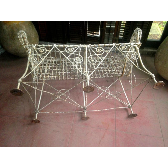 French 1870s Vintage French Double Wired Iron Wire Victorian Garden Patio Settee For Sale - Image 3 of 13