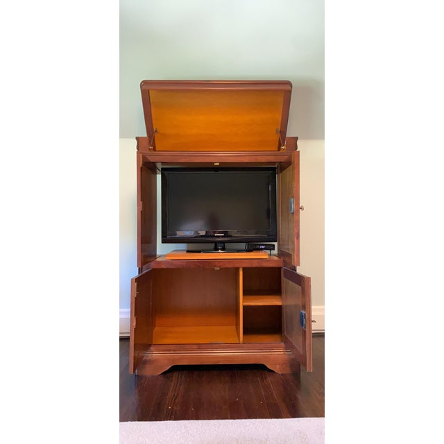 Grange 1990s Grange French Entertainment Armoire / Tv Stand For Sale - Image 4 of 9
