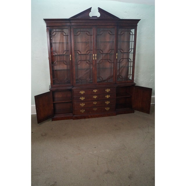 Henredon Chippendale Style Breakfront Cabinet - Image 9 of 10