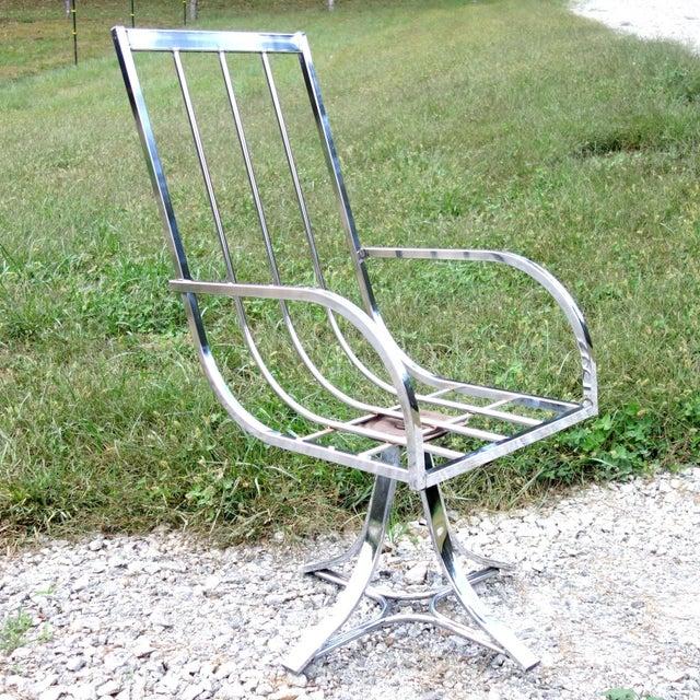 Mid-Century Modern 1970s Vintage Mid-Century Modern Chrome Swivel Armchair For Sale - Image 3 of 12