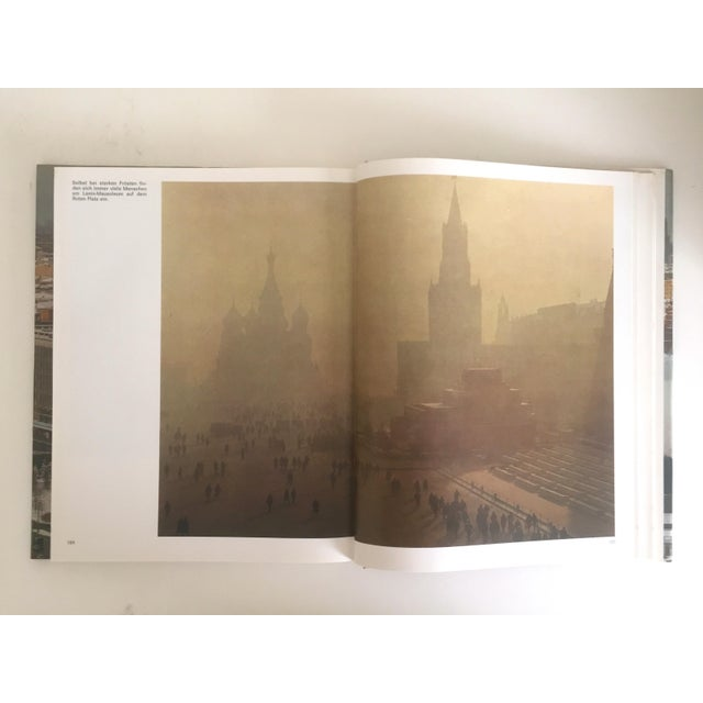 "Cardboard "" Moskau "" Vintage 1975 Photography Cultural Travel Large Art Book in German For Sale - Image 7 of 11"