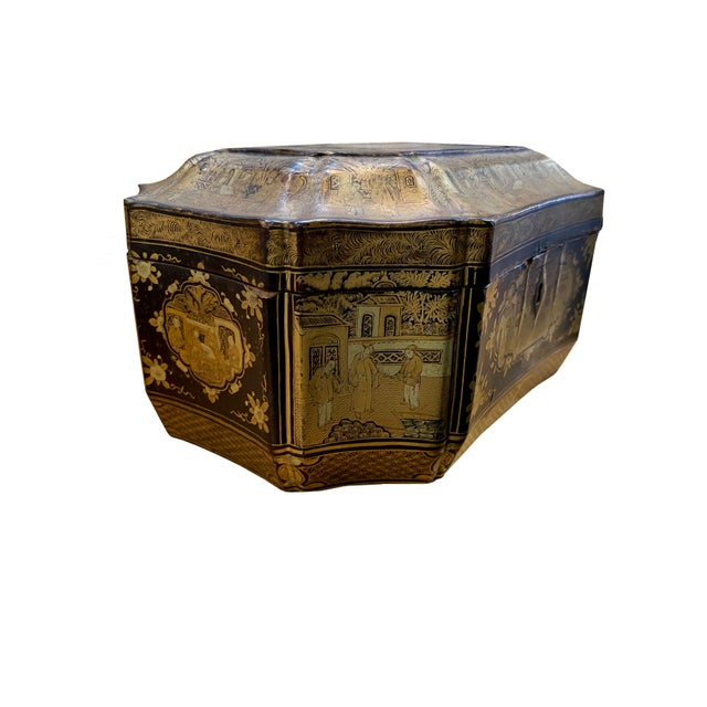 Early 20th Century Early 20th Century Chinoiserie Black and Gilt Lacquered Box For Sale - Image 5 of 9