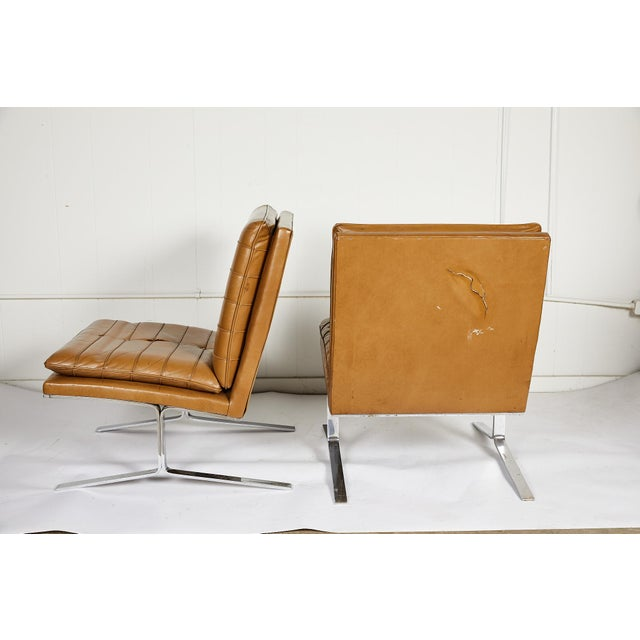 Mid-Century Modern Pair of Midcentury Lounge Chairs For Sale - Image 3 of 13
