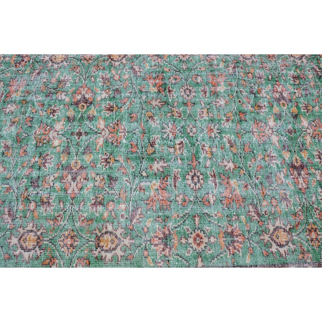 1960s 1960s Turkish Tribal Handwoven Beige and Green Wool Floor Rug For Sale - Image 5 of 7