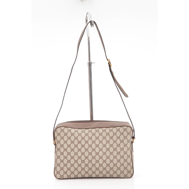 f35fcd1e3e56 This Class Gucci Monogram Messenger Bag dates back to the 1980's during the  time of the