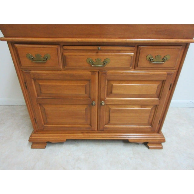 Vintage Conant Ball Maple Server For Sale - Image 5 of 11