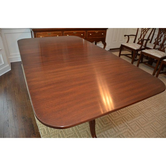 Queen Anne Henkel Harris Queen Anne Style Pedestal Dining Table For Sale - Image 3 of 10