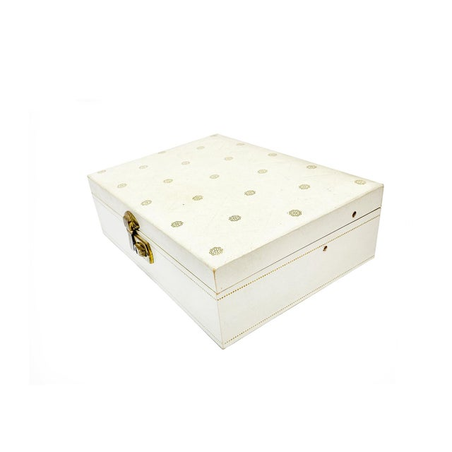 Traditional 1960s Vintage Mele White Jewelry Box For Sale - Image 3 of 5