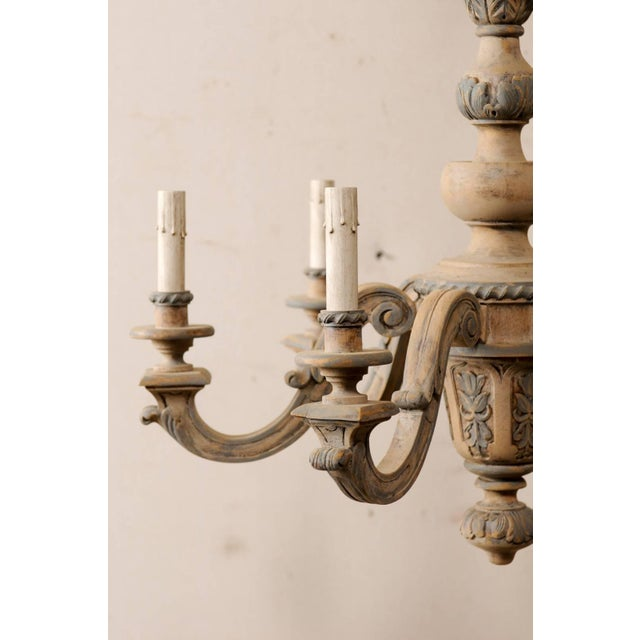 Mid 20th Century French Vintage Carved & Painted Wood Six-Light Chandelier in Light Beige & Grey For Sale - Image 5 of 9