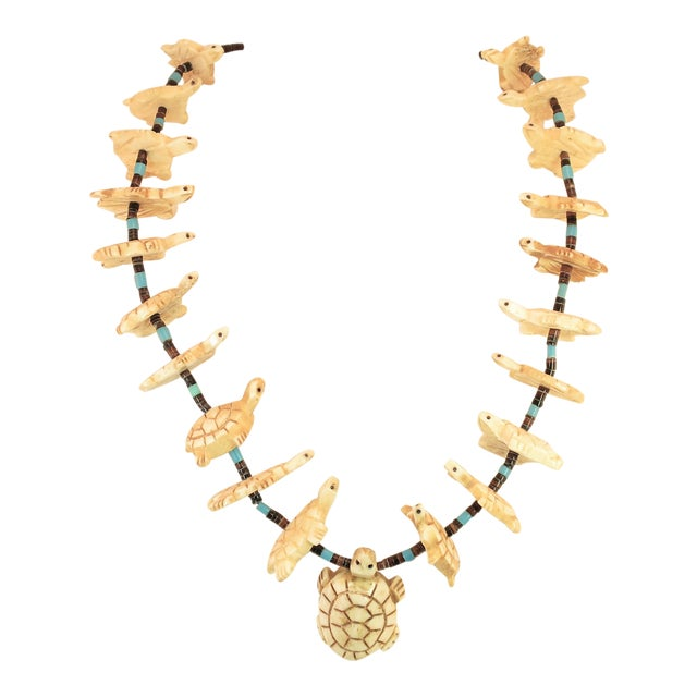Native American Zuni Hand-Carved Bone Turtle Fetish Necklace 1970s For Sale