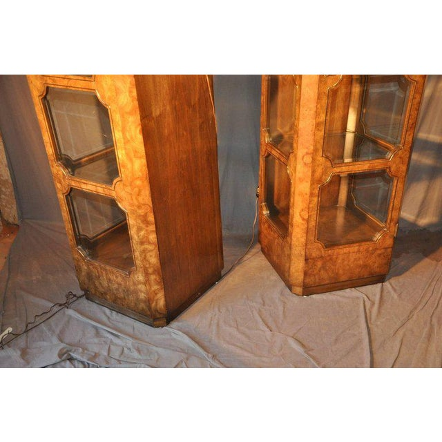 1970s Mastercraft Burl Wood Curio Cabinets - a Pair For Sale - Image 5 of 7