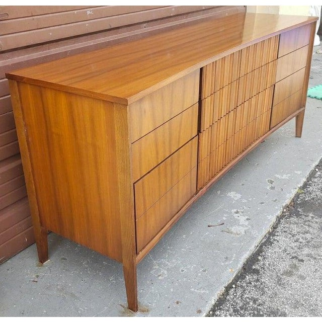 Gorgeous Mid Century Modern Curved Dresser or Credenza by Strata for Unagusta For Sale In West Palm - Image 6 of 7