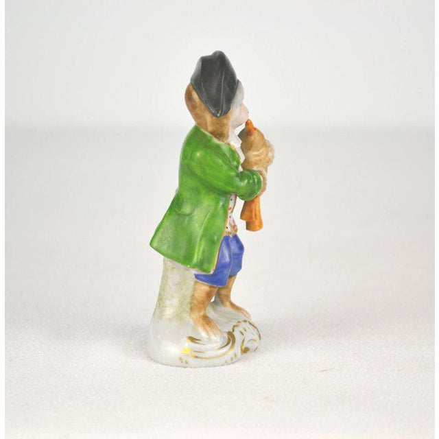 1910s Antique Porcelain Monkey Musician, from Germany, Green Coat For Sale - Image 5 of 8