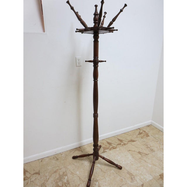 Early American Vintage Spindle Carved Pine Coat Tree For Sale - Image 3 of 8