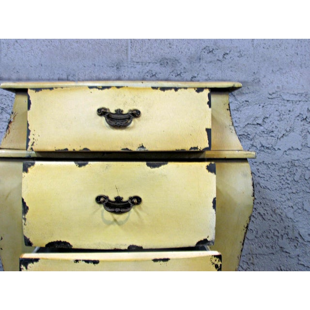 Short Yellow Chest of Drawers - Image 5 of 5