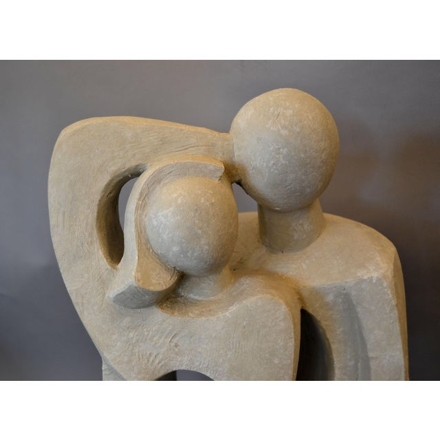 Abstract Modern Abstract Geometric Embracing Loving Couple Sculpture in Gray Plaster For Sale - Image 3 of 13