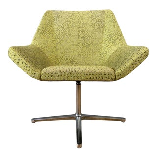 Eoos Designed Cahoots Relax Chair for Keilhauer in Chartreuse B For Sale