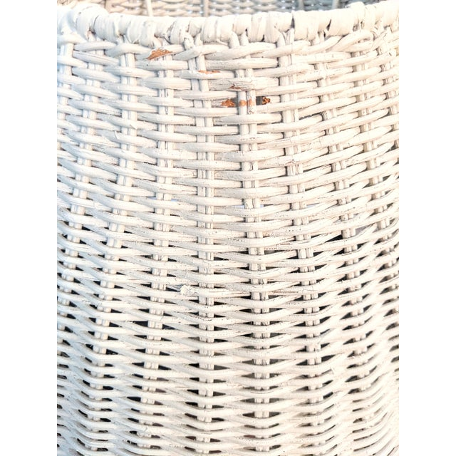 1970s Vintage 1970s Whitewash Wicker Table Lamp For Sale - Image 5 of 10