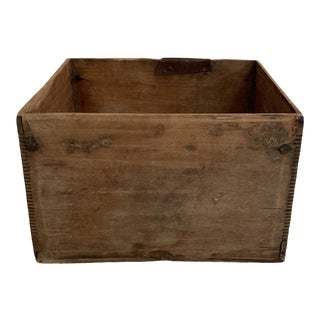 1920s Chinese Wooden Bulb Crate For Sale