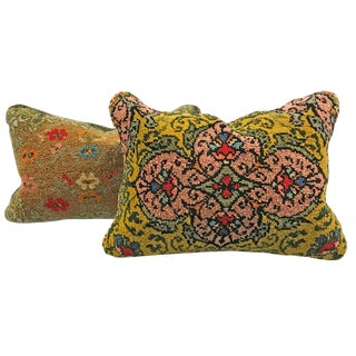 Early 20th Century Hungarian Hook Rug Pillows - a Pair For Sale