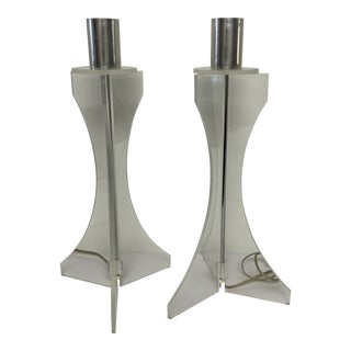 Pair of Mid Century Lucite and Chrome Table Lamps For Sale