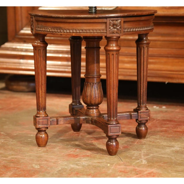 19th Century French Louis XVI Carved Walnut Round Adjustable Swivel Piano Stool For Sale In Dallas - Image 6 of 10