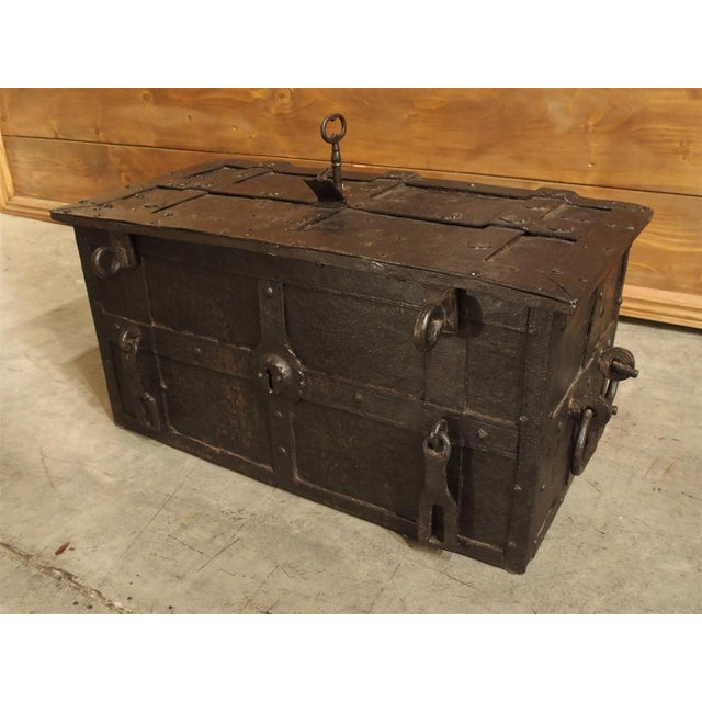 17th Century Iron Strongbox from a Ship For Sale In Dallas - Image 6 of 11