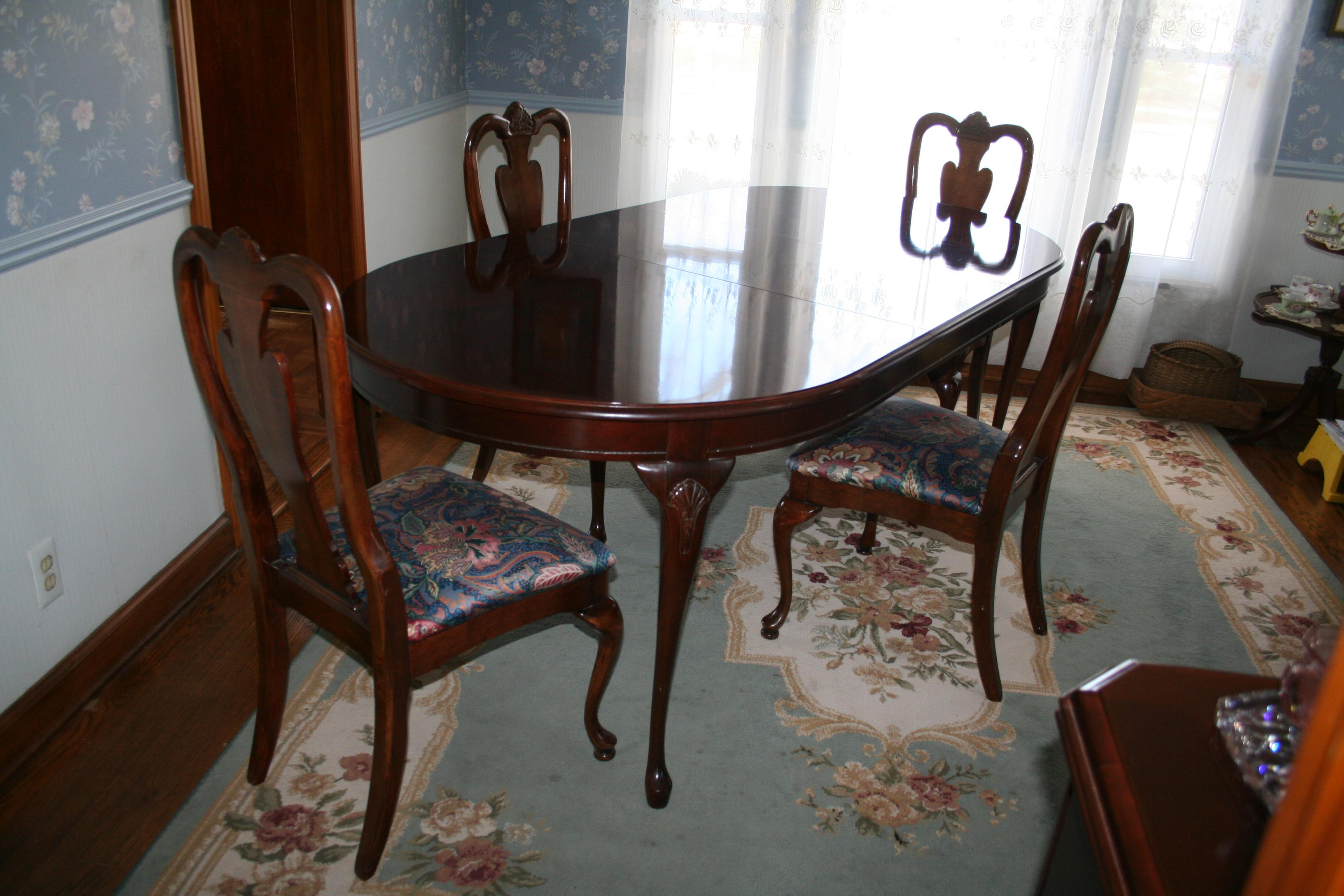 Queen Anne Bassett Furniture Queen Anne Dining Set For Sale   Image 3 Of 10