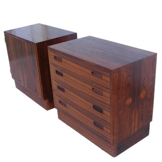 Pair of Danish Vintage Mid-Century Poul Hundevad Rosewood Nightstands For Sale