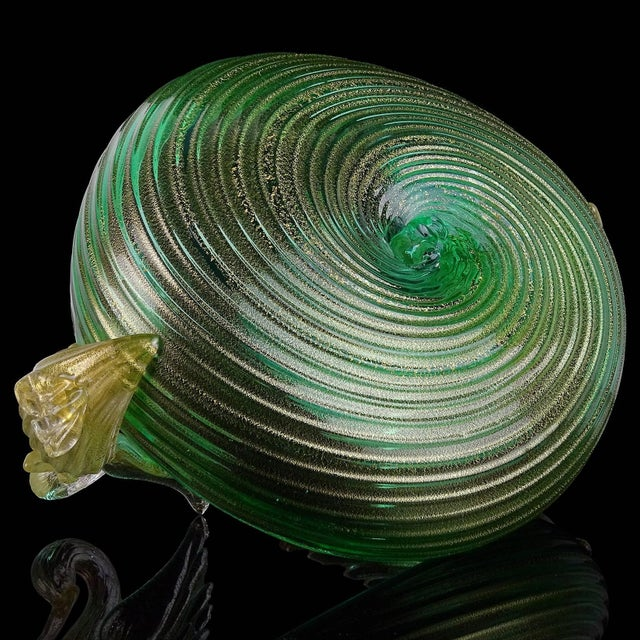 Seguso Vetri d'Arte Murano Green Gold Leaf Swans Italian Art Glass Bowl For Sale In Orlando - Image 6 of 8