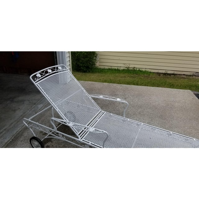 Mid 20th Century Restored Mid Century Russell Woodard Reclining Wrought Iron Chaise For Sale - Image 5 of 7