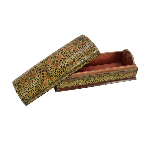 This vintage wooden box is not only lovely with its hand-painted flowers and decorative speckles, but it is also practical...