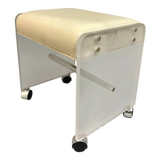 1970s Vintage Hill Manufacture Lucite Vanity Bench Stool For Sale