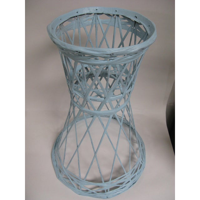 Wonderful spun fiberglass plant / planter stand by Russel Woodard. Painted in soft blue. Overall good vintage condition/....