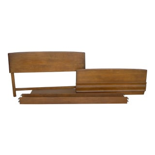 Heywood-Wakefield Mid-Century Modern Sculptura Bed Frame For Sale