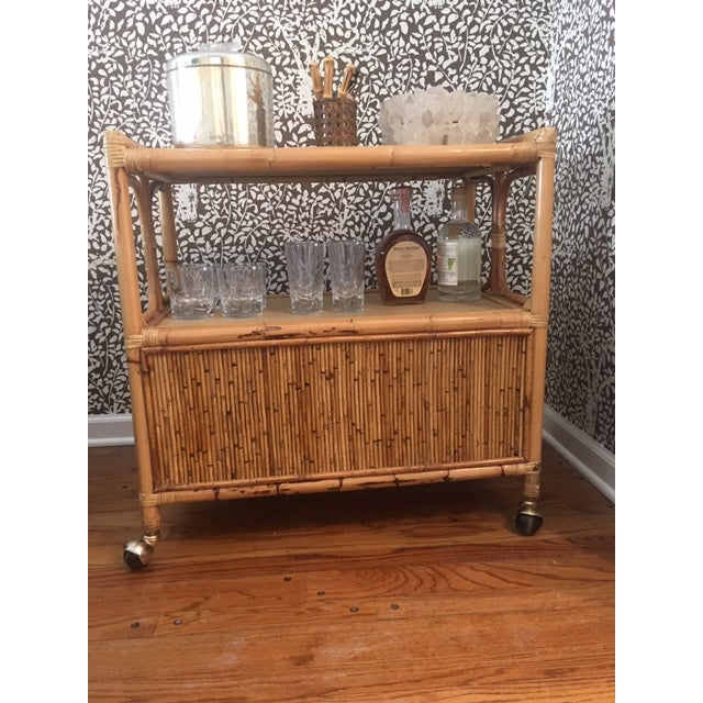 1970s 1970s Hollywood Regency Rattan Tiered Bar Cart on Brass Castors For Sale - Image 5 of 8