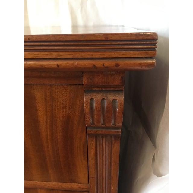 Brown 1900s Antique English Flamed Mahogany Chest Of Drawers For Sale - Image 8 of 10